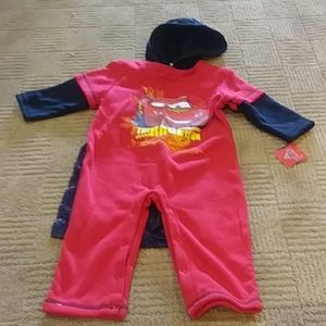NWT Lightening McQueen 1pc outfit-detachable cape